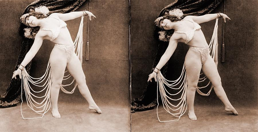 History Photograph - The Primadonna, A Stereo Photo by Everett