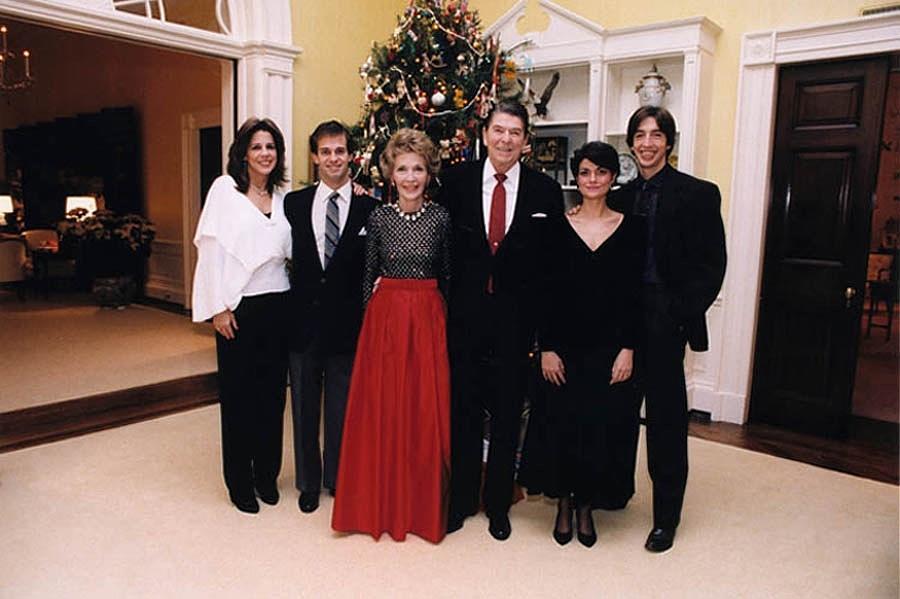 History Photograph - The Reagan Family Christmas Portrait by Everett