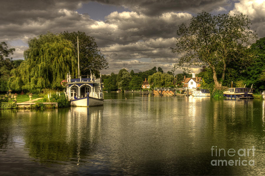 River Photograph - The River Thames At Streatley by Rob Hawkins