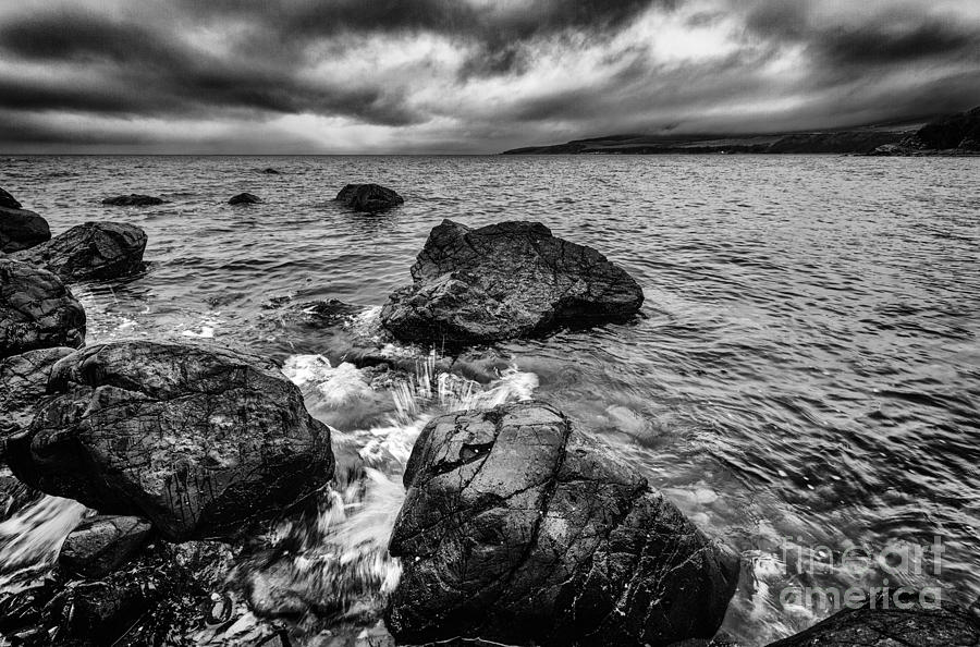 17mm Lens Photograph - The Sound Of The Waves by John Farnan