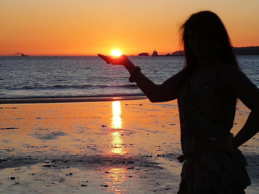 The Sun Photograph - The Sun In My Hand by Jenny Senra Pampin