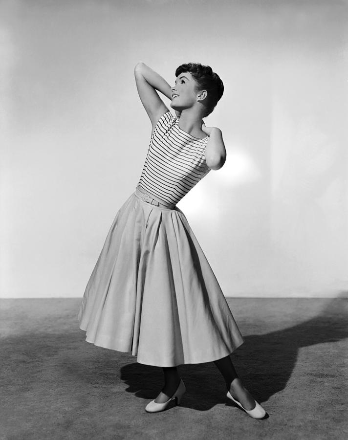 1955 Movies Photograph - The Tender Trap, Debbie Reynolds, 1955 by Everett