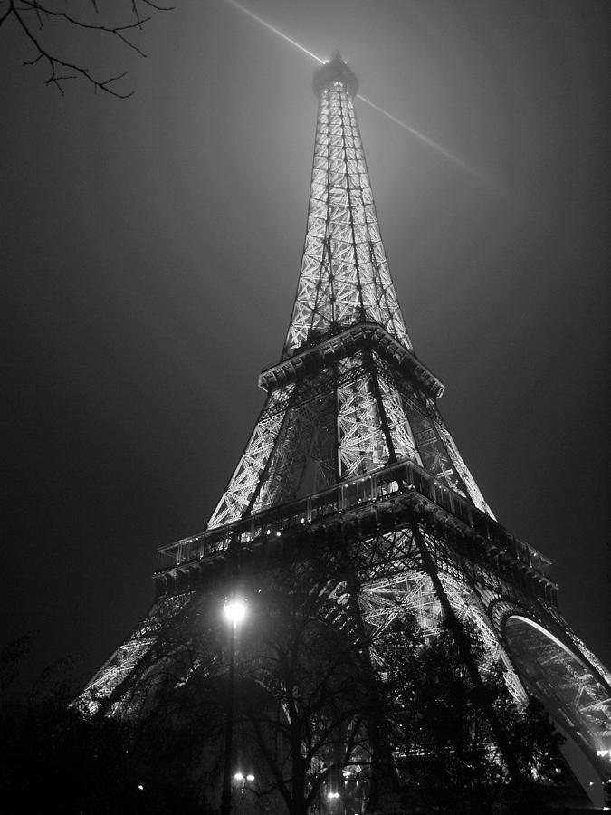 Eiffel Tower Photograph - The Tower Ablaze by Humberto Laviera