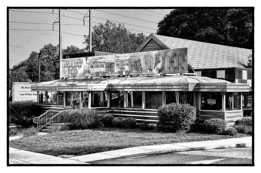 Trolley Car Photograph - The Trolley Car Diner - Chestnut Hill Philadelphia by Bill Cannon