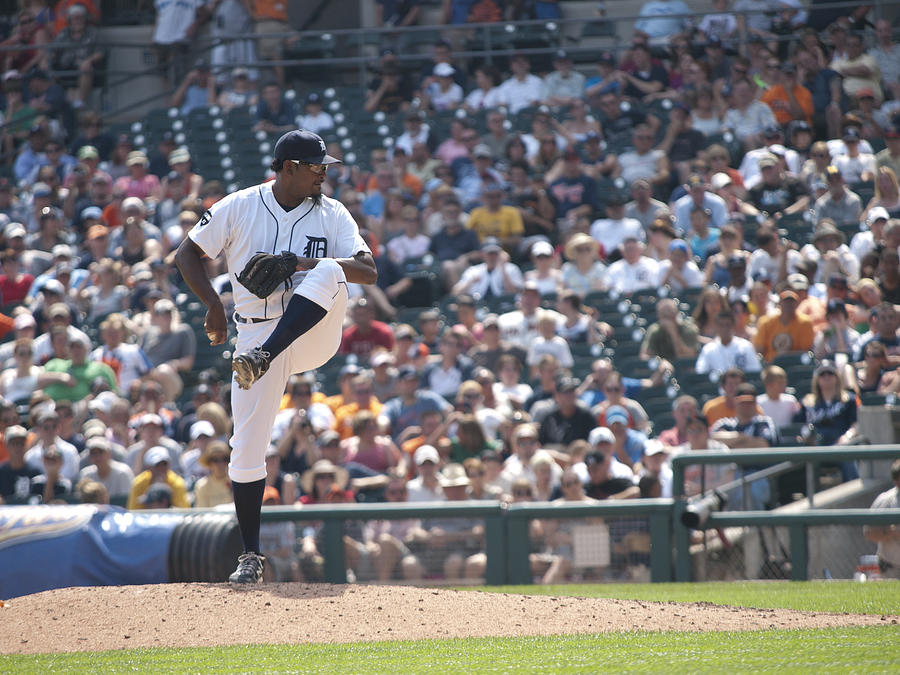 Detroit Tigers Photograph - The Wind Up by Cindy Lindow