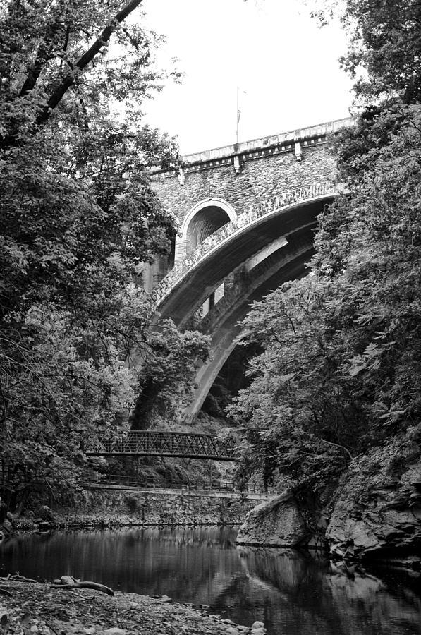 Wissahickon Photograph - The Wissahickon Creek And Henry Avenue Bridge by Bill Cannon