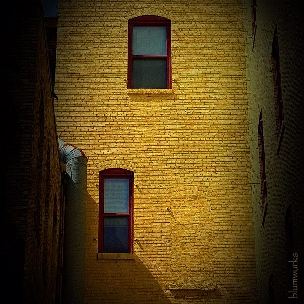 Color Photograph - Third Eye Blind by Matthew Blum