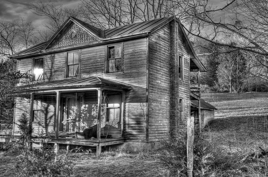 Old House Photograph - This Old House by Todd Hostetter