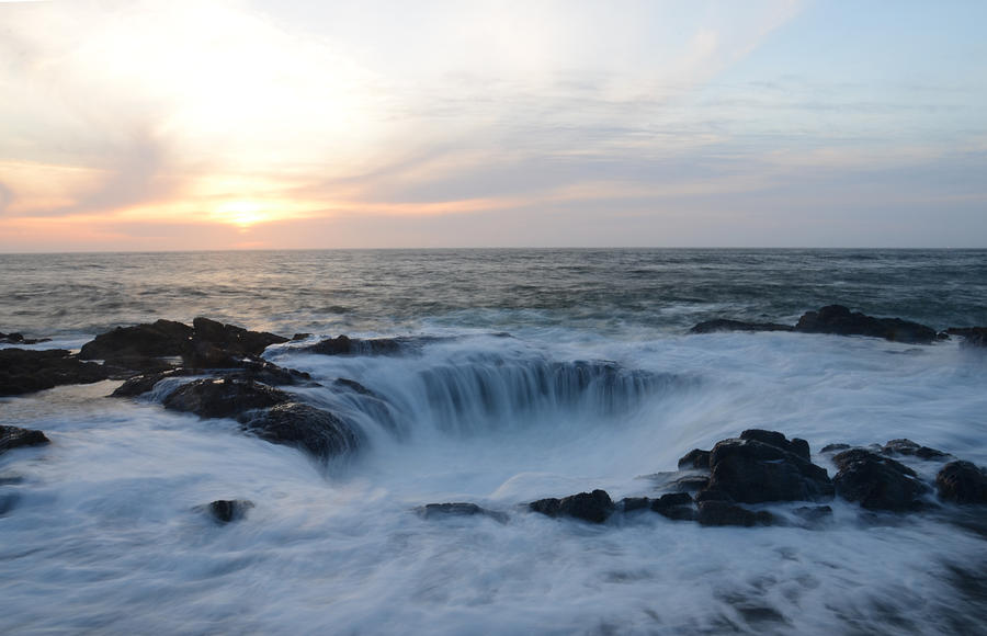 Oregon Photograph - Thors Well by Craig Ratcliffe