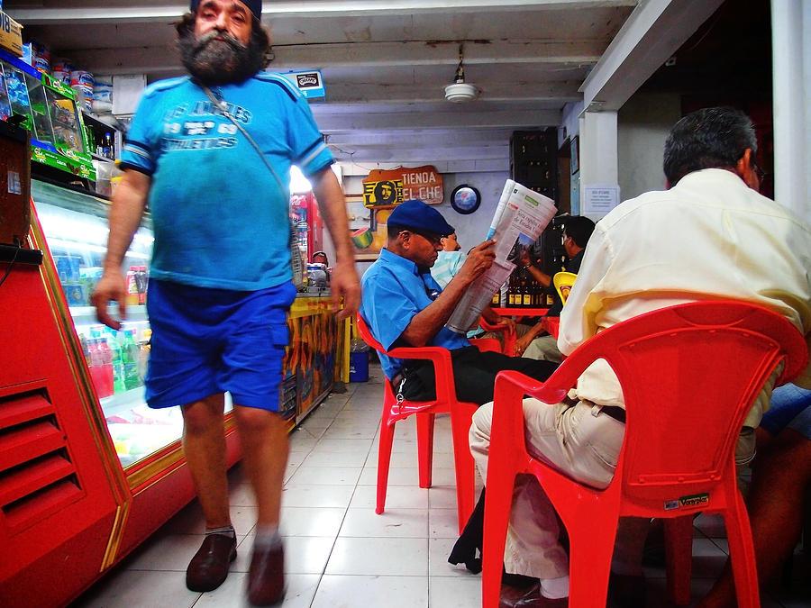 Cartagena Photograph - Tienda El Che by Skip Hunt