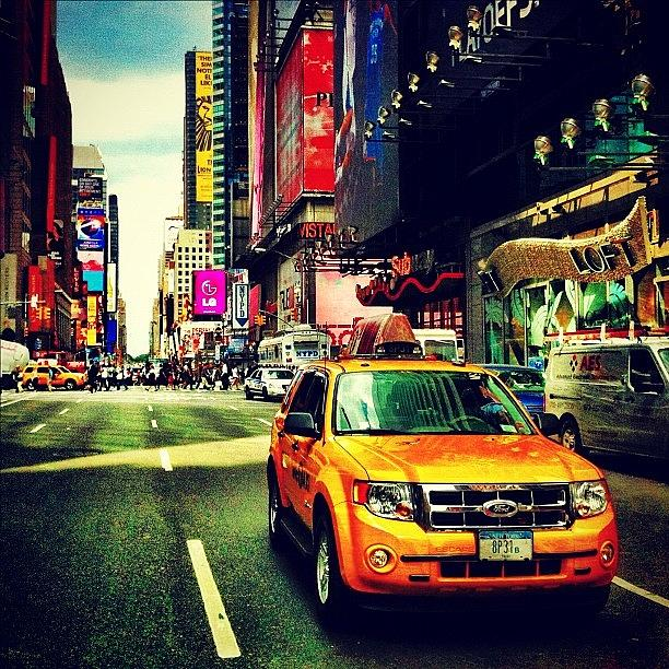 Nyc Photograph - Times Square Taxi by Luke Kingma