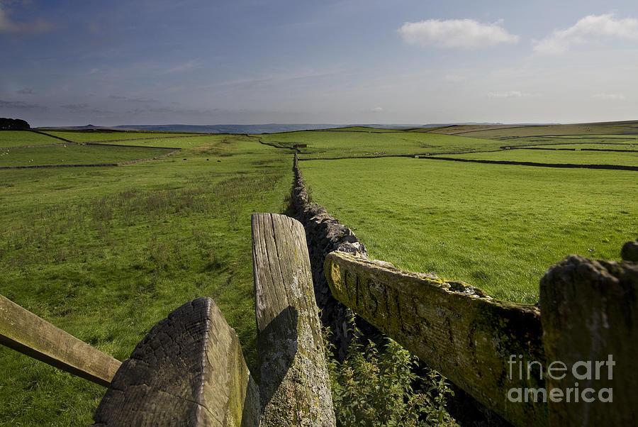 Castleton Photograph - To Castleton by Darren Burroughs