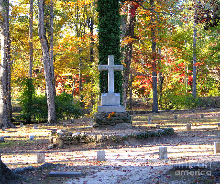 Memorial Photograph - To The Unknown Dead by Renee Trenholm