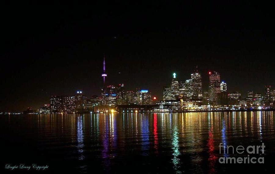 Skyscraper Photograph - Toronto Skyline At Night by Lingfai Leung