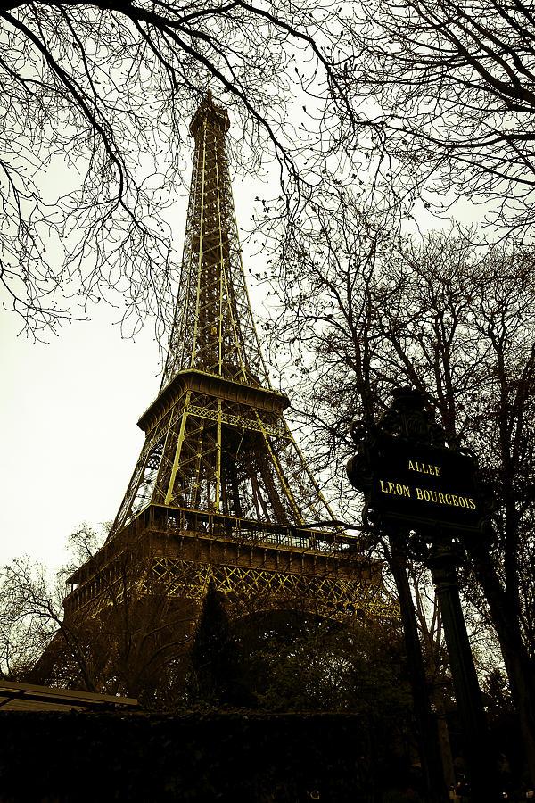 Paris Photograph - Tour Eiffel by Gabriel Cusmir