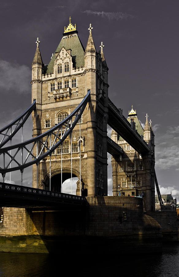 London Digital Art - Tower Bridge by David Pyatt