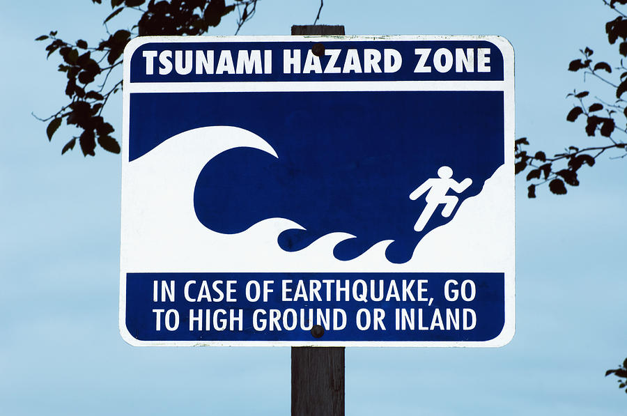 tsunami facts how they form warning signs and safety tips - 900×597