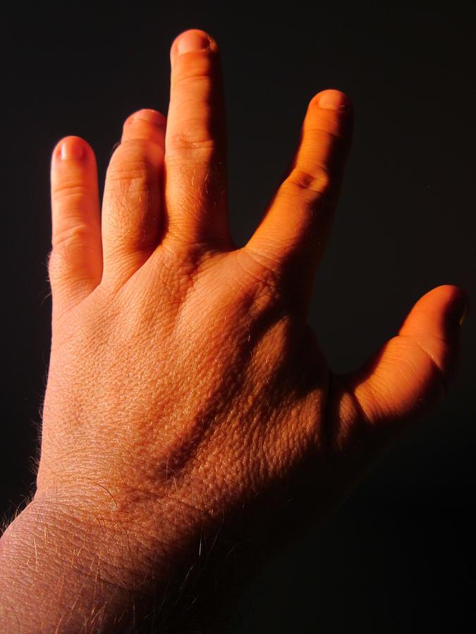 twisted-fingers-guy-ricketts.jpg