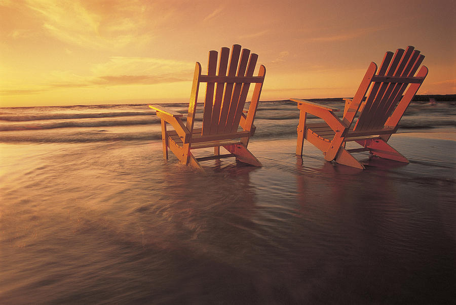 Two Muskoka Chairs Photograph By Dave Reede