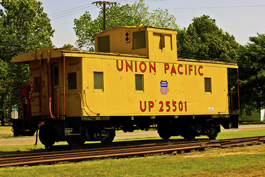 Caboose Photograph - Union Pacific by Barry Jones