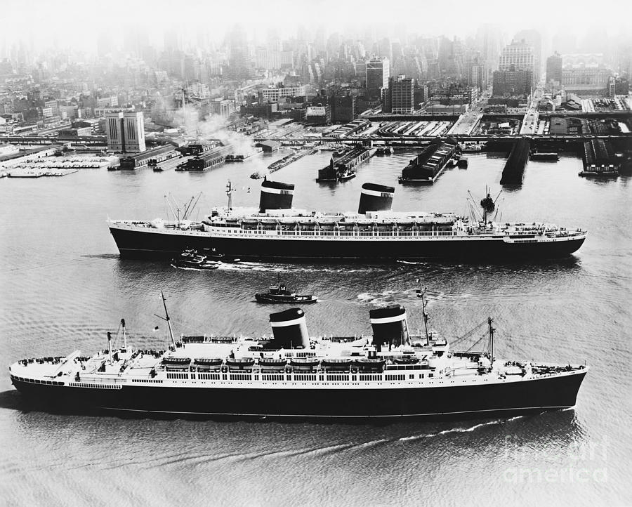 America Photograph - United States Lines Ships by Photo Researchers