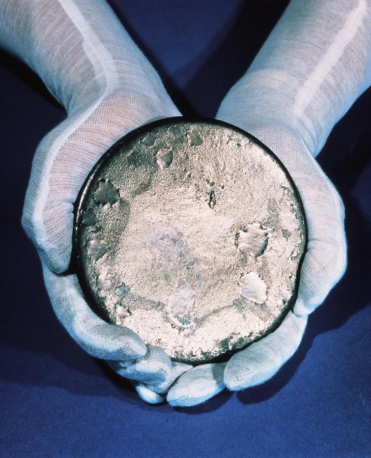 What is uranium 235 dating 10