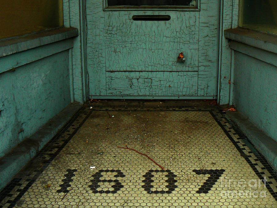 Urban Decay Photograph - Urban Lament by Lin Haring