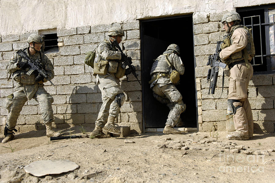 U S Army Soldiers Breaching A House Photograph By