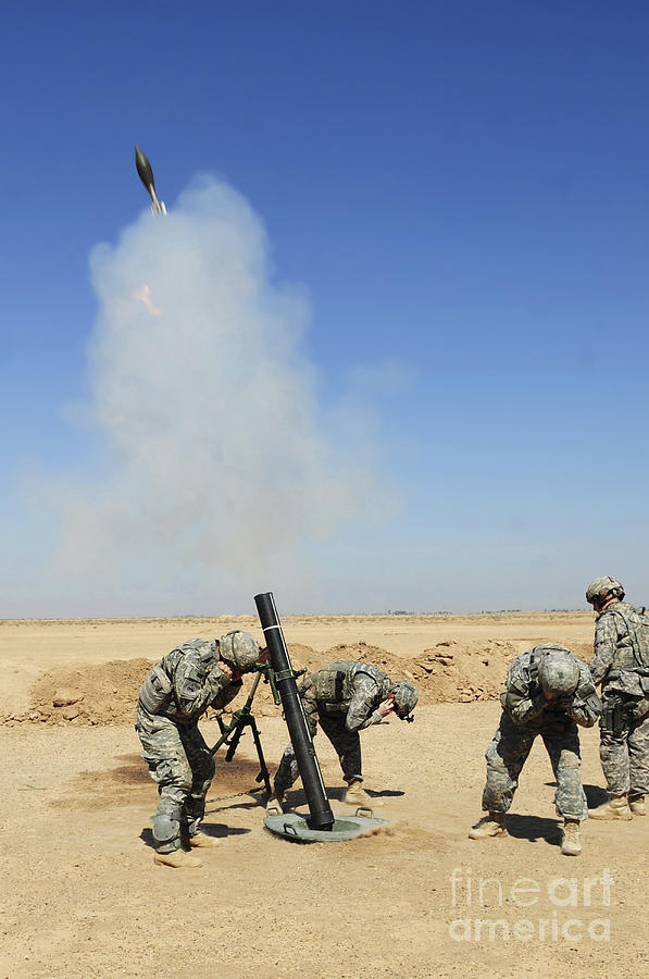 Iraq Photograph - U.s. Army Soldiers Firing An M120 120mm by Stocktrek Images