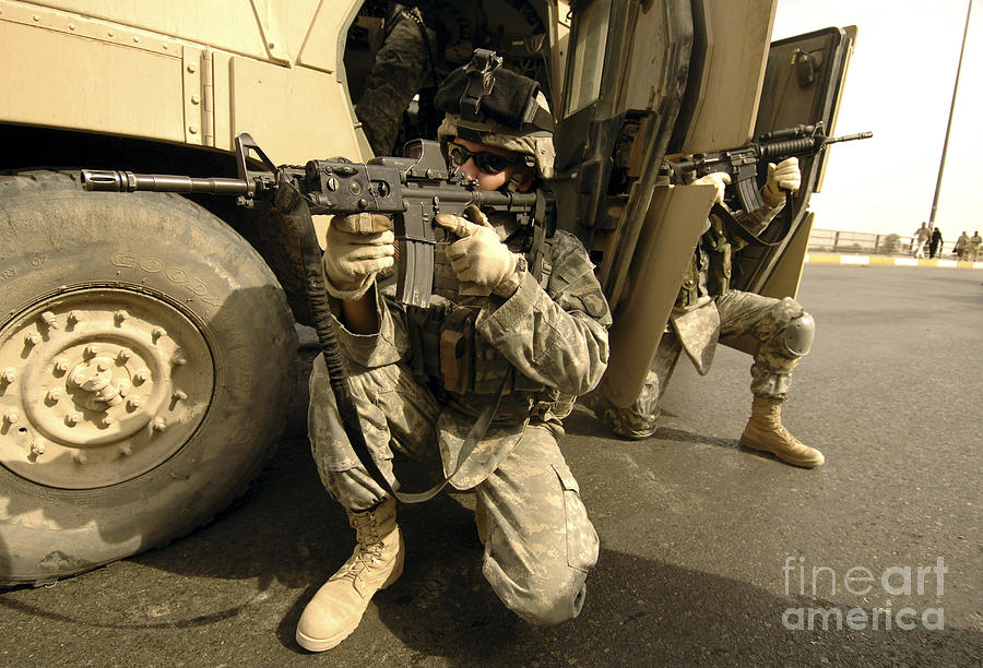 Operation Iraqi Freedom Photograph - U.s. Army Soldiers Providing Overwatch by Stocktrek Images