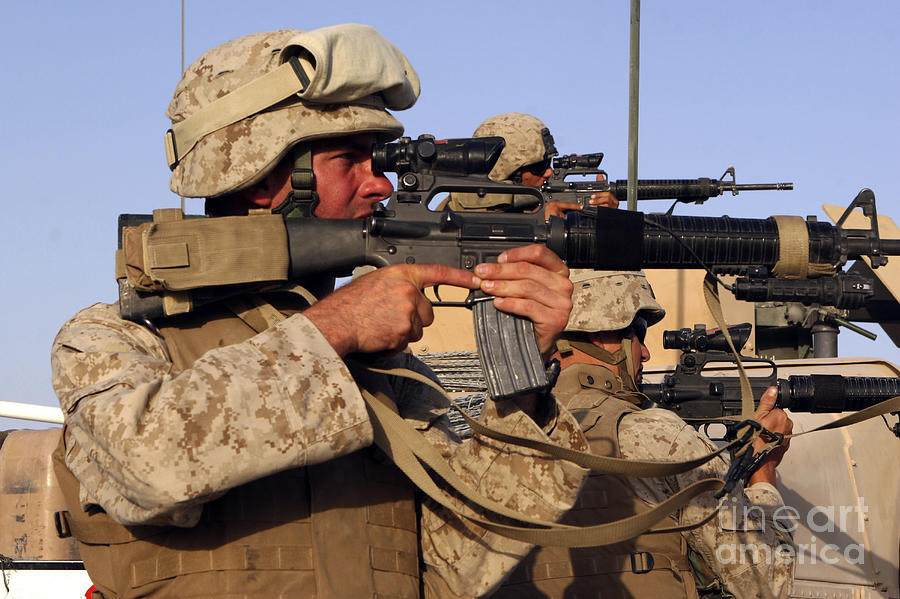 Fallujah Photograph - U.s. Marines Sighting by Stocktrek Images
