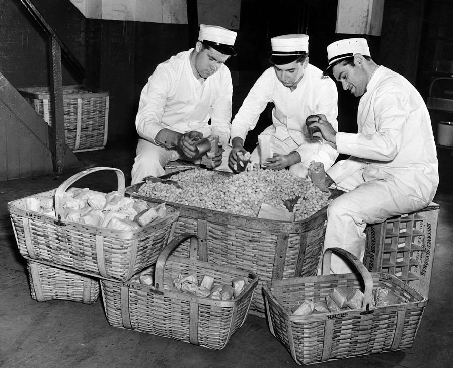 1930s Photograph - Vendors Filling Peanut Bags by Everett