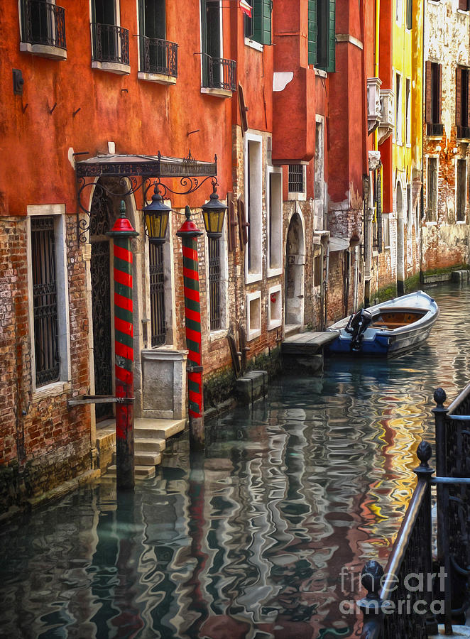 Venice Italy Painting - Venice Italy - Quiet Canal by Gregory Dyer