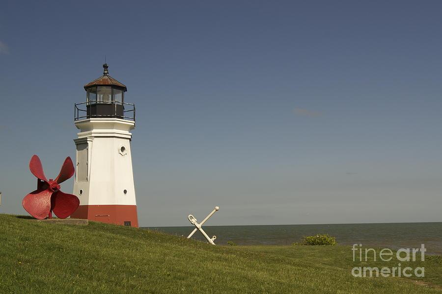 Vermilion Photograph - Vermilion Lighthouse - 1287 by Chuck Smith
