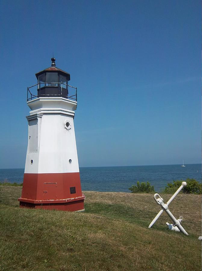 Light House Photograph - Vermillion Ohio Lighthouse by Gordon Wendling