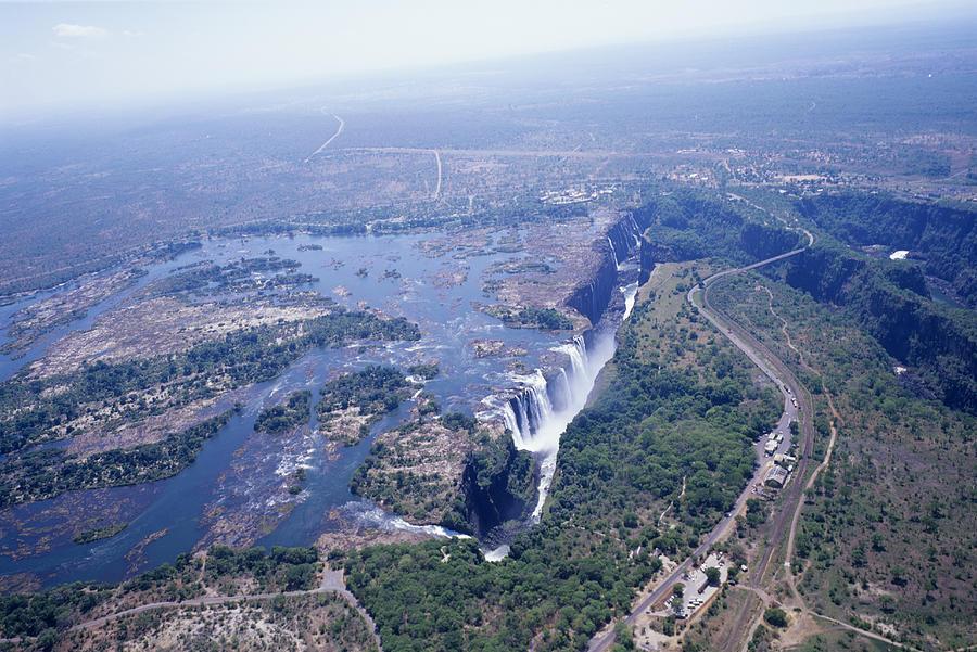 Victoria Falls Photograph - Victoria Falls by Carlos Dominguez