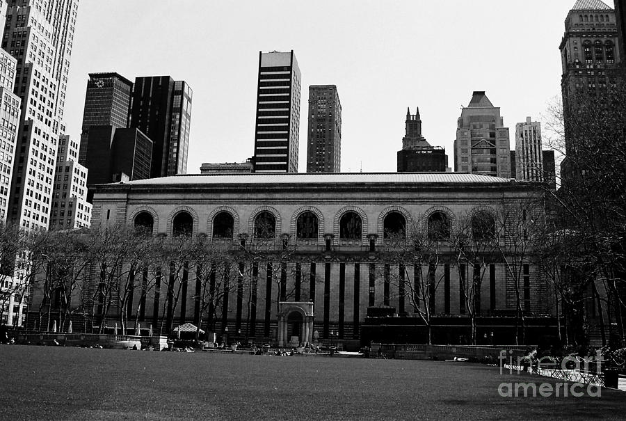 Bryant Park Photograph - View From Bryant Park Nyc by Trude Janssen