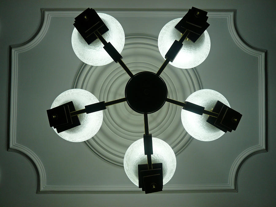 Bulb Photograph - View Of 5 Bulb Chandelier Against A Decorated Ceiling From Underneath by Ashish Agarwal