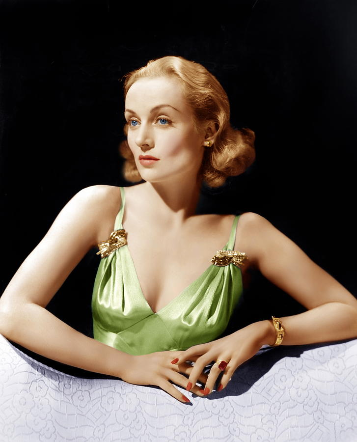 1940 Movies Photograph - Vigil In The Night, Carole Lombard, 1940 by Everett