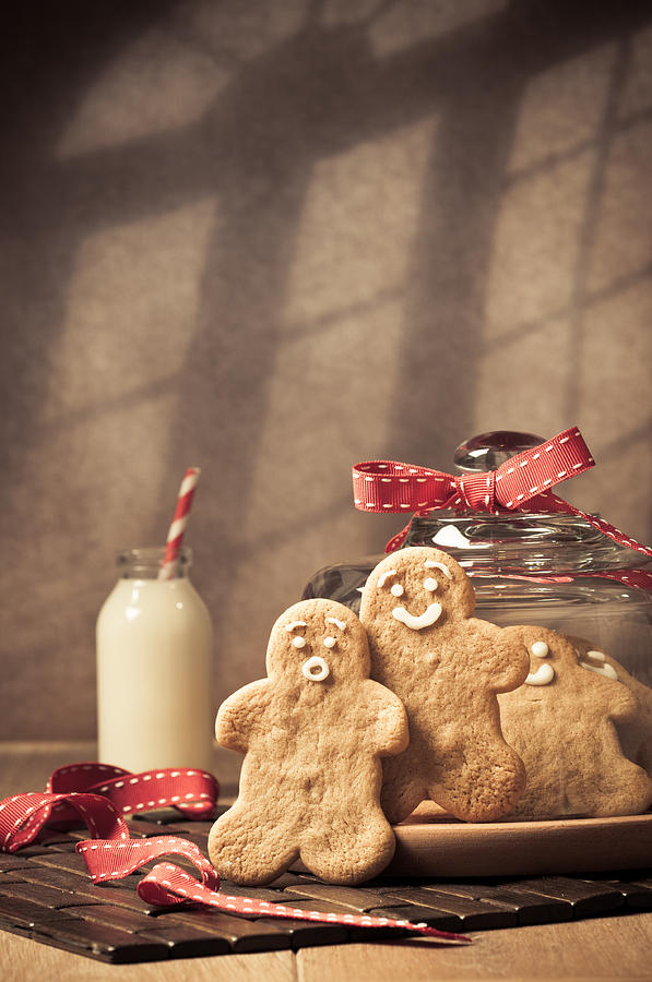 Gingerbread Photograph - Vintage Style Gingerbread Men by Amanda Elwell