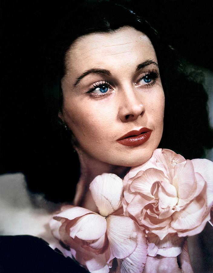 1940s Portraits Photograph - Vivien Leigh, 1940s by Everett