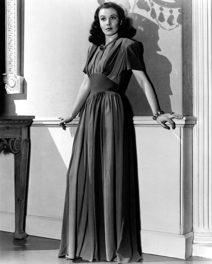 Full-length Portrait Photograph - Vivien Leigh, Circa Late 1930s by Everett