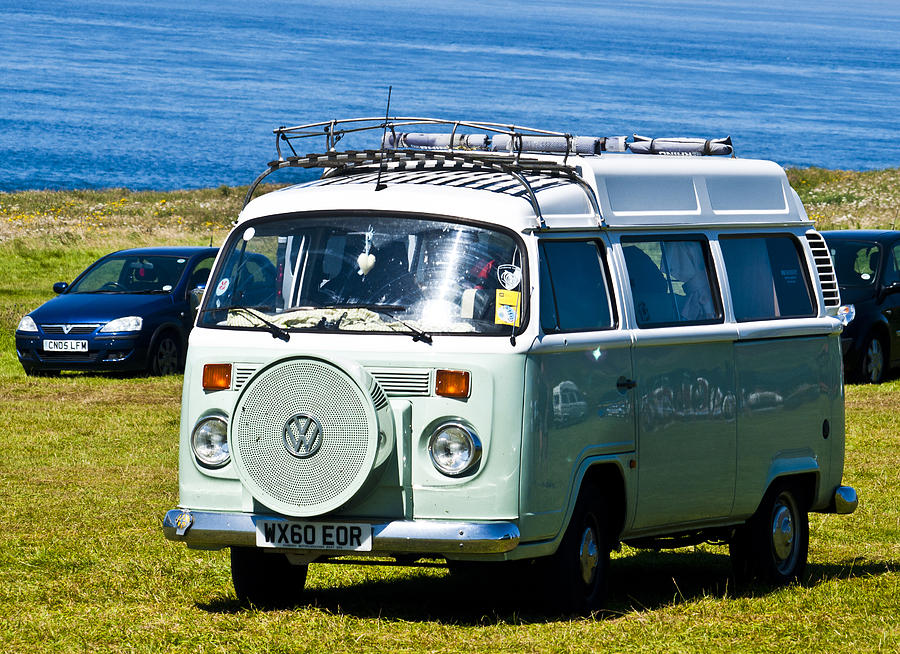 Vw Photograph - Vw Camper by Paul Howarth