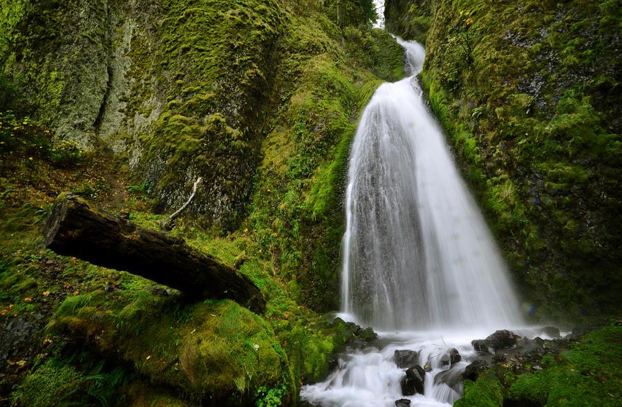 Wahkeena Falls 02 by Matt Hanson