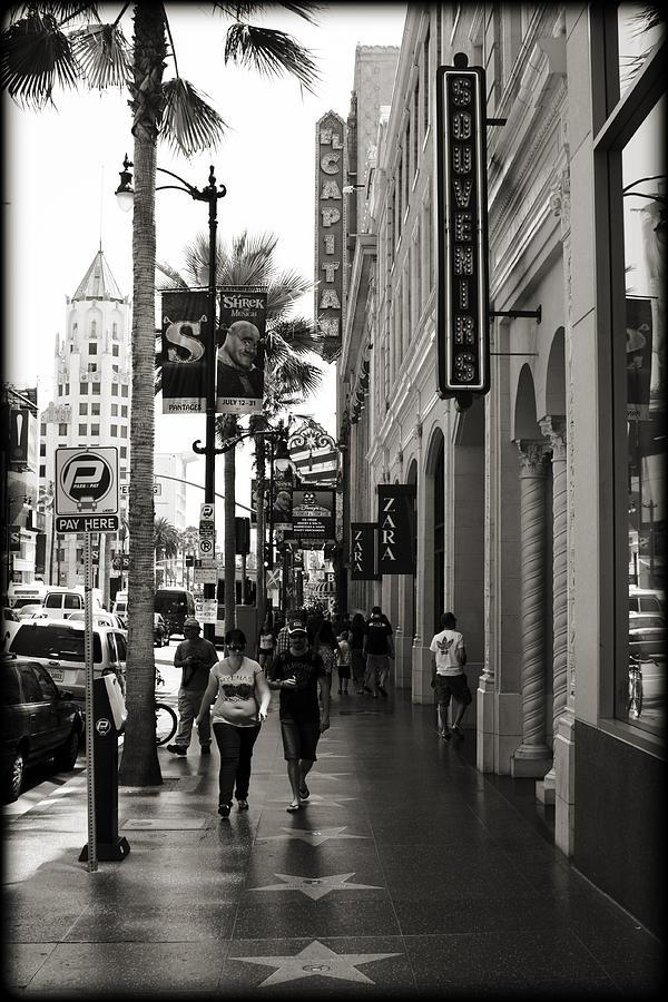 Los Photograph - Walking In La by Ricky Barnard