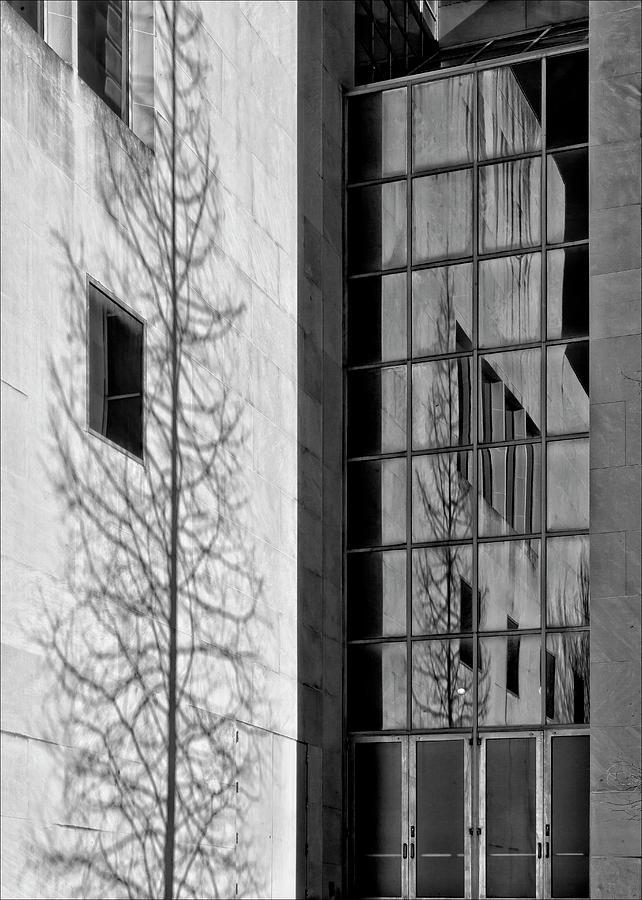 Wall Photograph - Wall And Windows Metropolitan Museum Nyc by Robert Ullmann