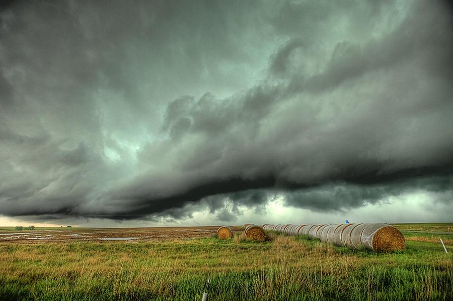 Hays Ks Photograph - Wall Cloud by Thomas Zimmerman