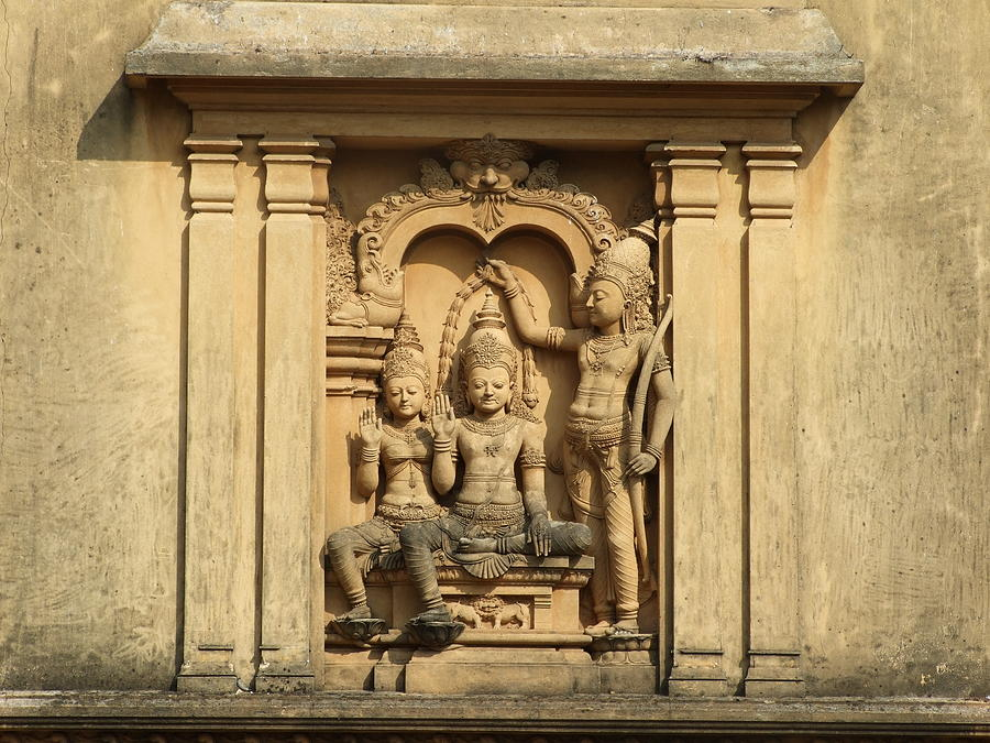 Sculpture At Kelaniya Temple Photograph by Sugath Perera