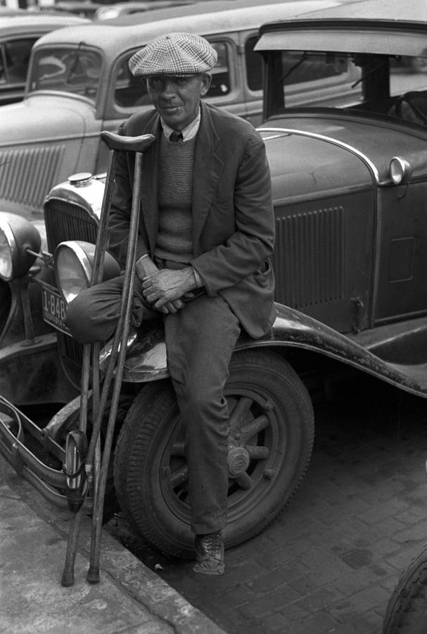 1930s Photograph - War Veteran Who Sells Pencils, A Man by Everett