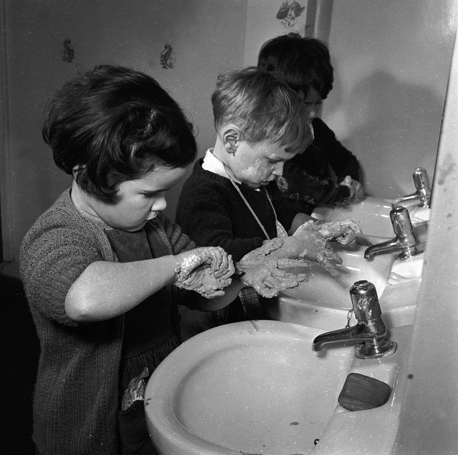 Child Photograph - Washroom by Juliette Lasserre